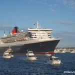 Cunard QM2 departs Fremantle.