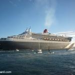 Cunard QM2 departs Fremantle.